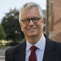 Alan Schroeder miembro del Claustro de Next IBS