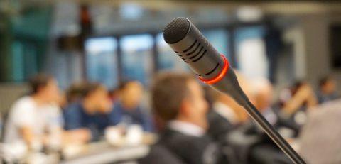 La Comunicación Política puede pesar más que la ideología del candidato