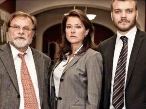 """Los alumnos de Next Educación debaten en su Cineforum sobre la serie de TV """"Borgen"""""""