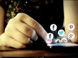 """La Dra. Begoña Gutiérrez (Next Educación) participa en el programa """"Parlamento"""" de RTVE sobre """"Comunicación política y redes sociales"""""""